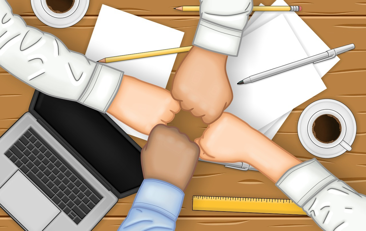 Unit Team Group Fist Bump Hands - Jorgeduardo / Pixabay